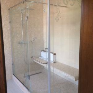Двери и перегородка для душа из стекла изготовление под заказ (на заказ в Одессе)