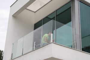Стеклянное ограждение балкона под заказ (на заказ в Одессе)